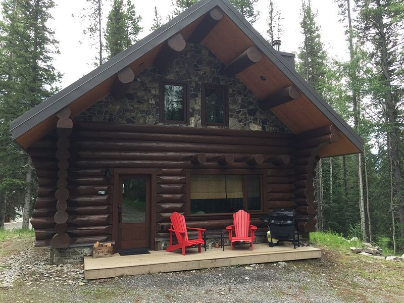 Cabin1 - A beautiful log cabin in the heart of the Canadian Rocky Mountains, vakantiewoning in Clearwater County