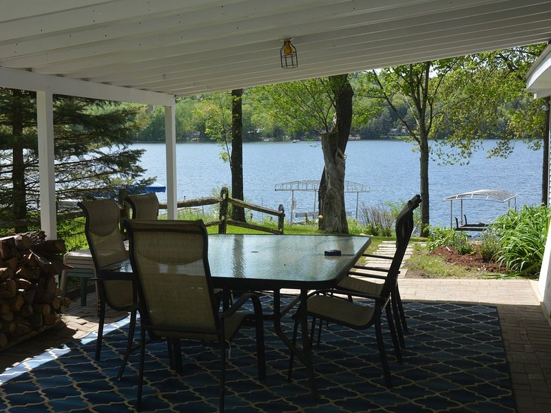 Restful and Relaxing Lakeside Cottage on Lake Bomoseen, holiday rental in Orwell