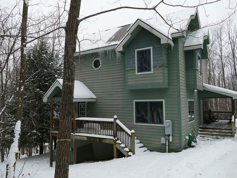 5BR Private Chalet in Forested Ridge - Deep Creek Lake, vacation rental in Deer Park