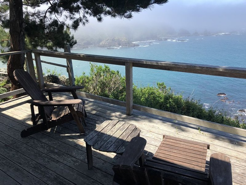 Mendocino Coast Cliffside Cottage—Shangri-La, location de vacances à Mendocino County