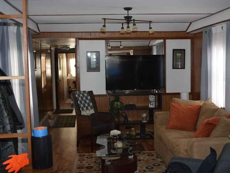 Lakeside Vacation Home, holiday rental in Arbor Vitae