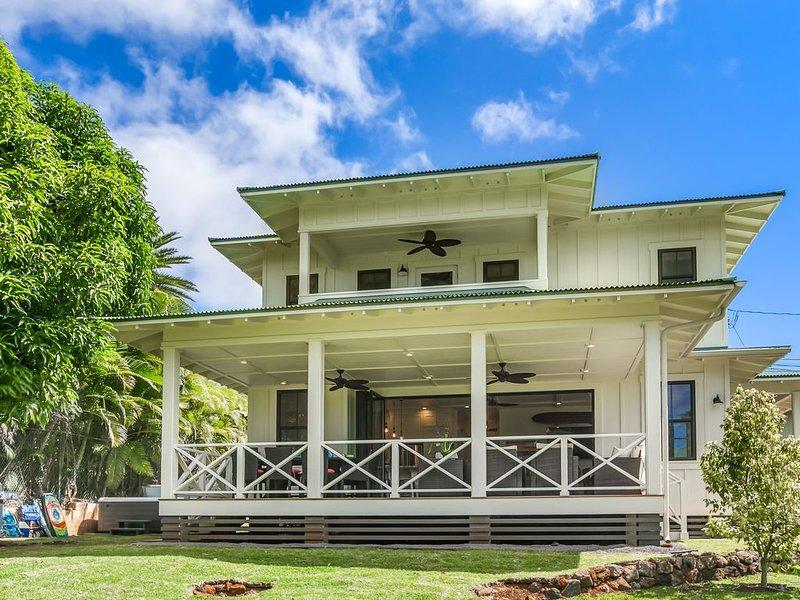Brand New Luxury Home-Walk to Poipu Beach, aluguéis de temporada em Koloa