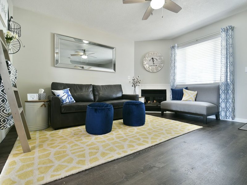 Above the rest - Recently remodeled end unit condo with amazing views!, vacation rental in Garden City