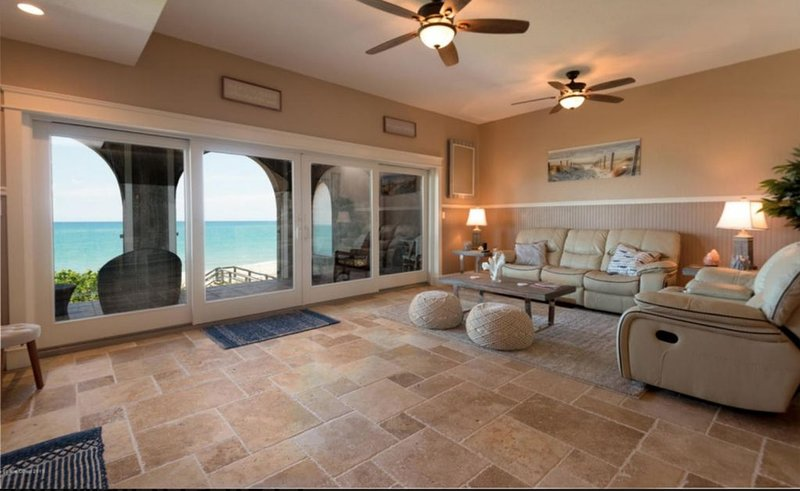 Beach front Condo with amazing water views!, holiday rental in Indialantic