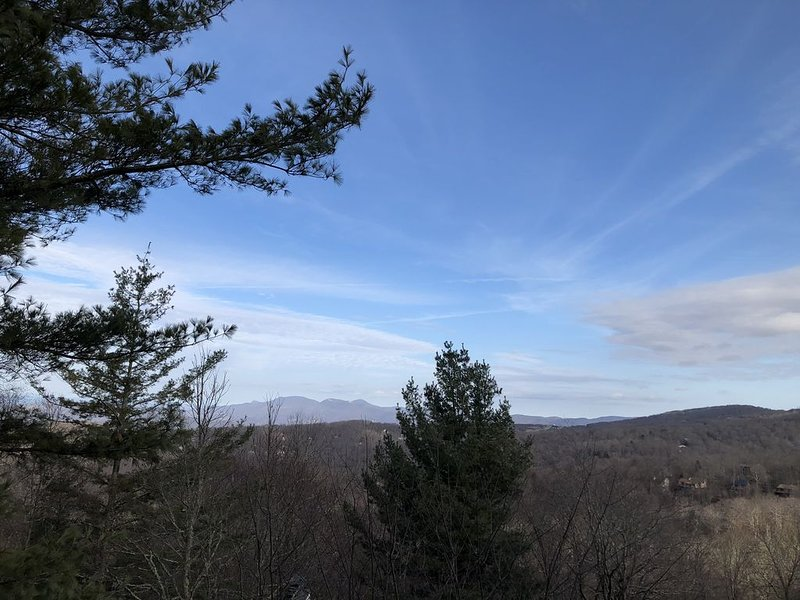 High Above the Clouds, at an Elevation of 5506', lies the Cardinal's Nest, holiday rental in Beech Mountain