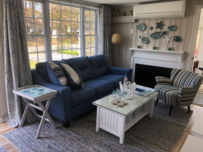 Newly renovated mid-Cape cottage by the warm water beaches of Nantucket Sound!, holiday rental in Yarmouth