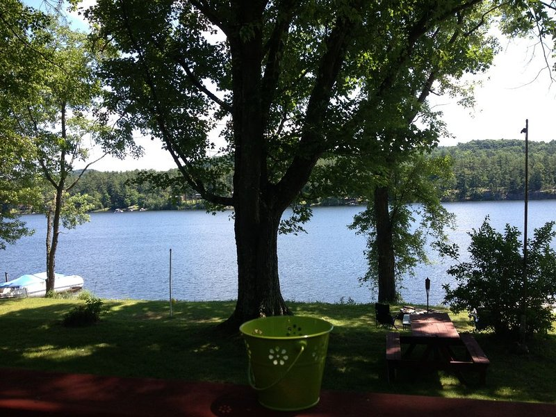 Spectacular Location on Lake Bomoseen Vermont, holiday rental in Orwell