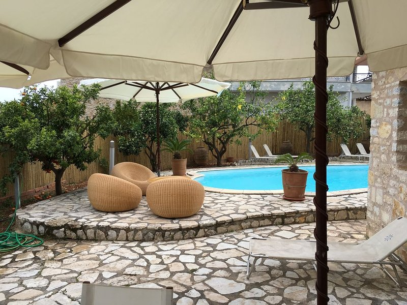 Stone luxurious Villa with a swimming pool, vacation rental in Agios Andreas