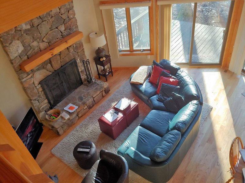 Golf Front Home with Member Access to Devil's Knob and All Resort Amenities, location de vacances à Wintergreen