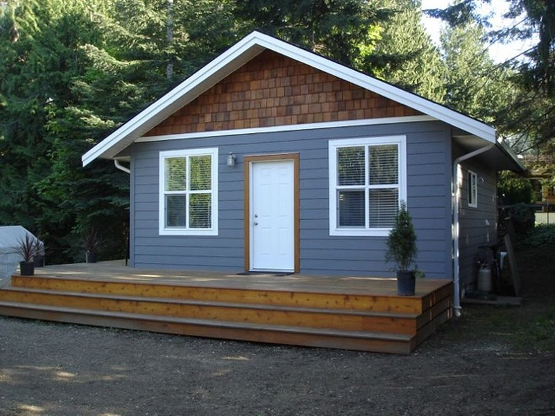 NEW LISTING ♥ Vancouver Island Haida Way Guesthouse, holiday rental in Nanoose Bay