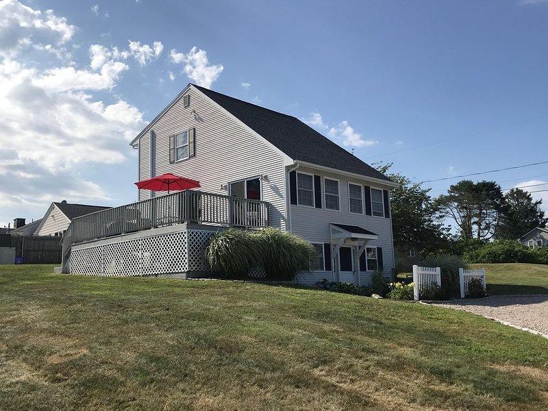 Spacious Family Home in Sand Hill Cove/Roger Wheeler Area!, location de vacances à Narragansett