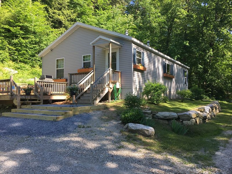 New home in the heart of the Green Mountain Forest, holiday rental in Cambridge