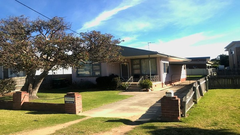 Quirky Cottage on Fishpen, holiday rental in Merimbula
