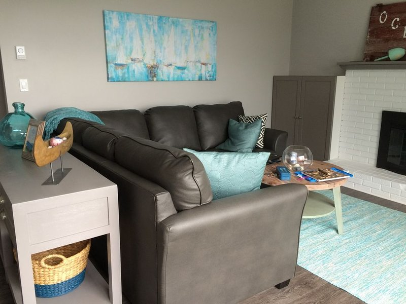 Newly Renovated Beach House near Liverpool, Nova Scotia, holiday rental in East Port L'Hebert