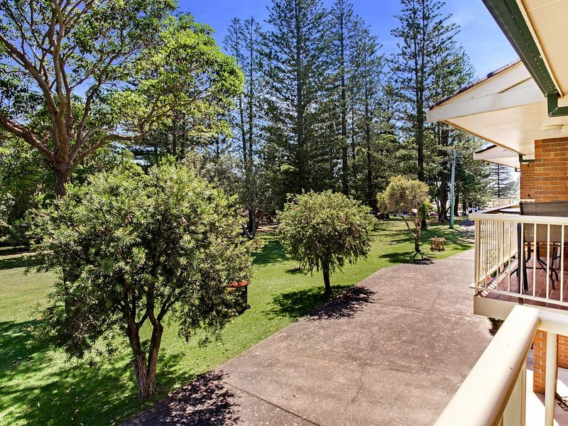 Only minutes walk to Shopping Centre, Beach, Cafes, Parks and Surf Club, casa vacanza a Taree
