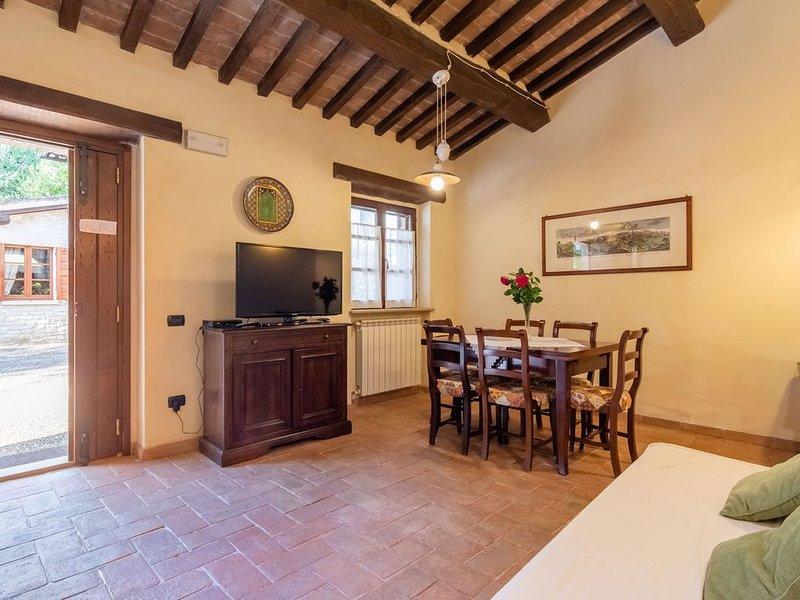 Dreamy Farmhouse with Jacuzzi, Garden, BBQ, Swimming Pool, location de vacances à Gubbio