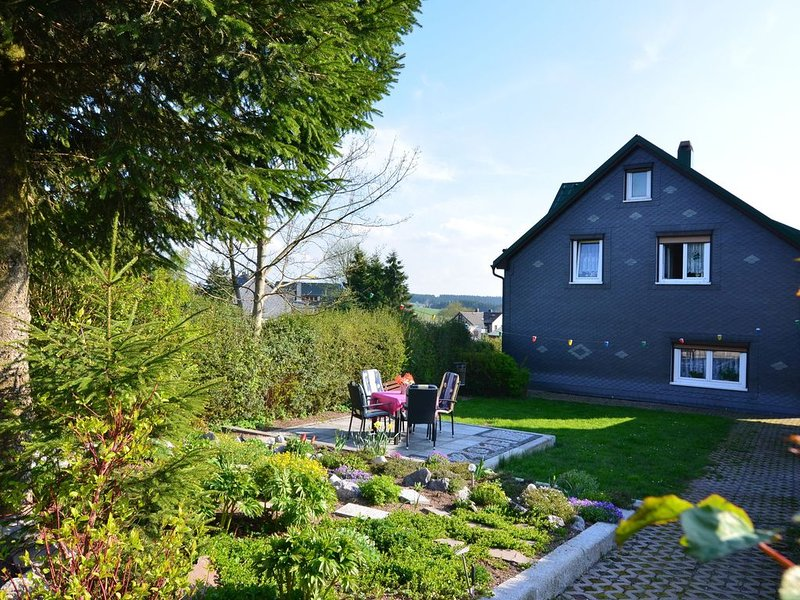 Holiday Home in Neustadt am Rennsteig with Garden, casa vacanza a Frauenwald