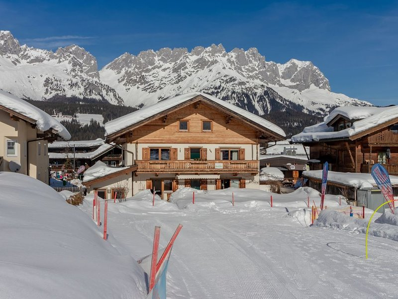 Unique chalet in the center of Elmau, 100 m from the skilift, holiday rental in Going