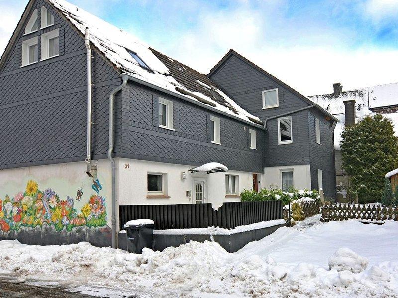 Delighftul Holiday Home in Usseln with Garden near City Centre, location de vacances à Schwalefeld