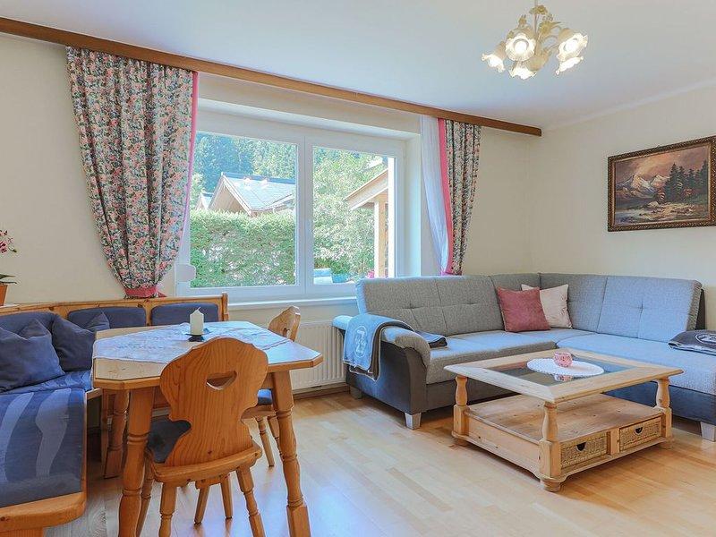 Beautiful Apartment with Balcony, Garden, Heating, Parking, vacation rental in Kitzbuhel