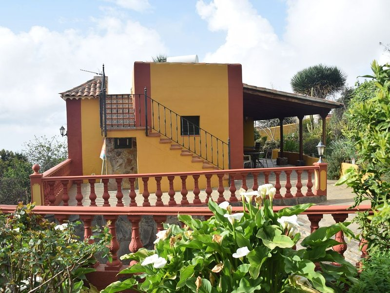 Cozy Cottage in Orotava with Swimming Pool, vacation rental in La Orotava