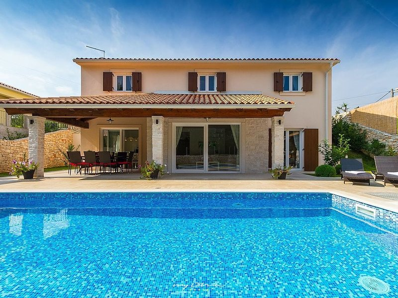 Charming Istrian villa with private pool, holiday rental in Ruzici