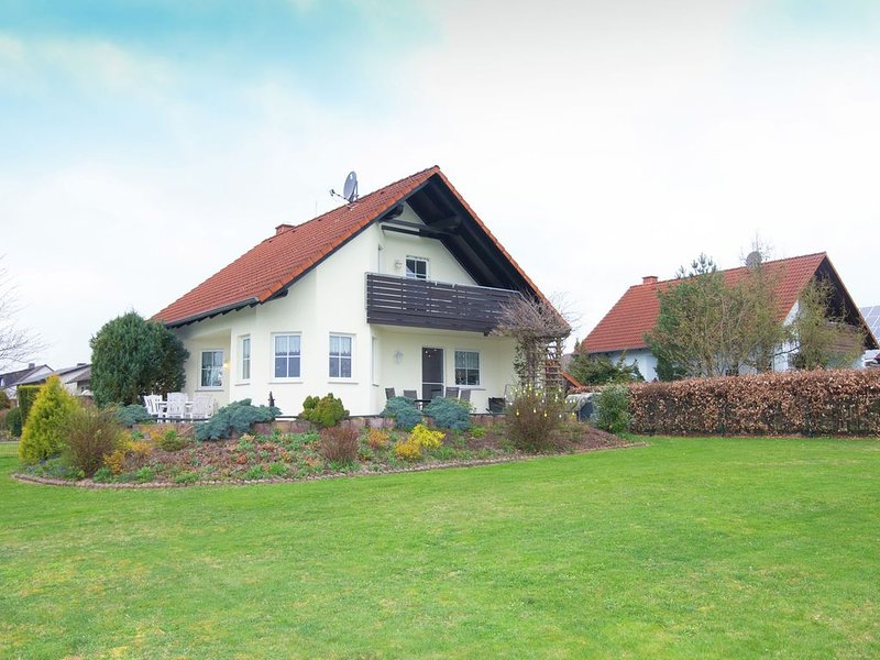 Upscale Holiday Home in Buchenberg Hesse with Garden, holiday rental in Vohl