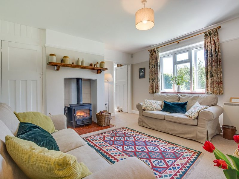 Penhill Cottage - Three Bedroom House, Sleeps 5, holiday rental in Biddenden