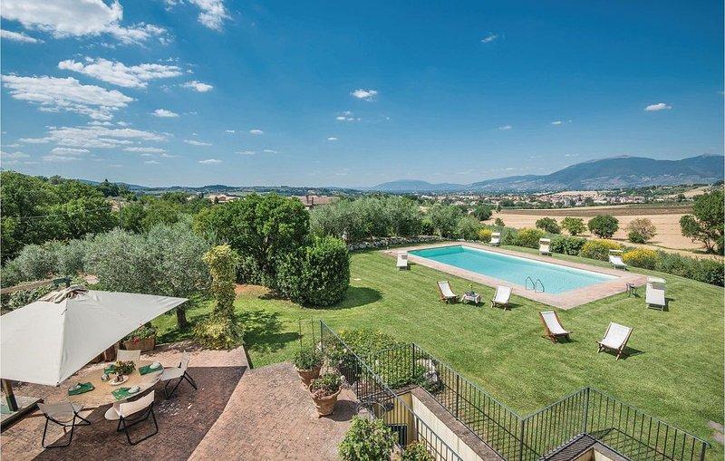 4 Zimmer Unterkunft in Spoleto, vacation rental in San Gregorio