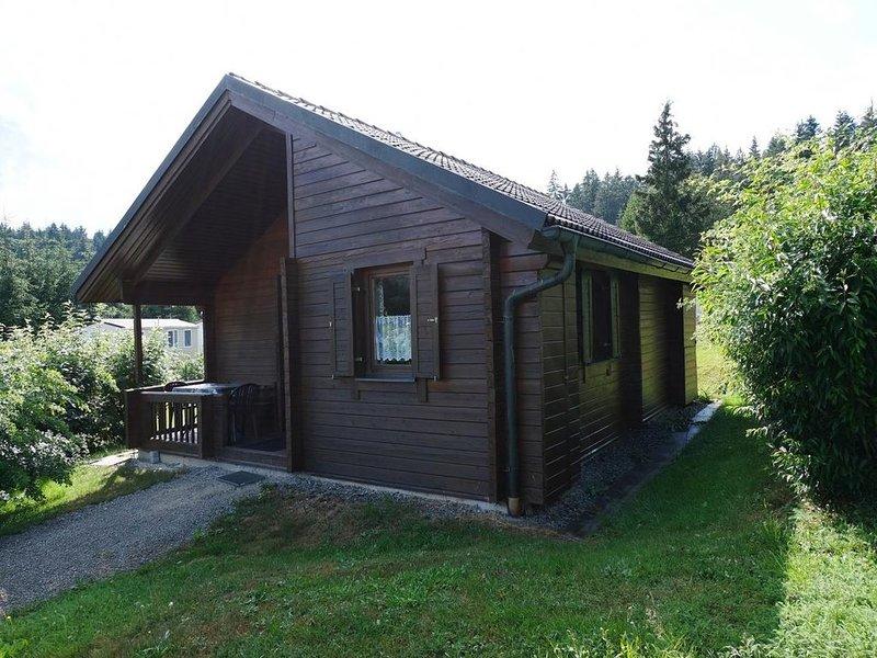 Ferienhaus Jägerpark Viechtach 14, Hallenbad, WLan und Energiekosten inklusive, vacation rental in Bogen