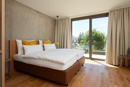 Apartment Abendsonne, 28,5qm, 1 Wohn-/Schlafzimmer, Balkon, max. 2 Personen, holiday rental in Neuhausen am Rheinfall
