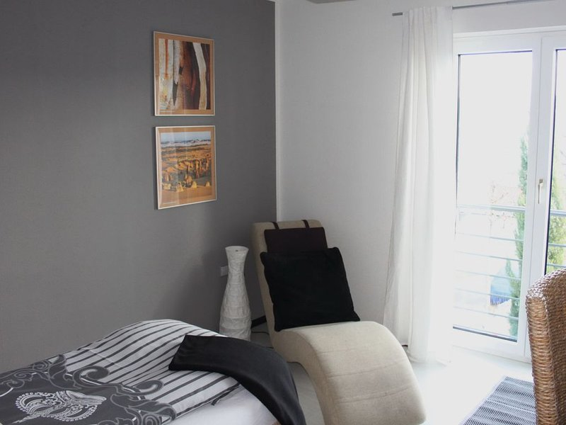 Apartment 47qm mit Küche, 2 Schlafzimmer, max. 3 Personen, Ferienwohnung in Augst