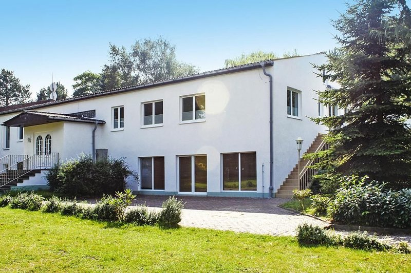 Appartementhaus Seeperle, Sommersdorf, holiday rental in Reuterstadt Stavenhagen
