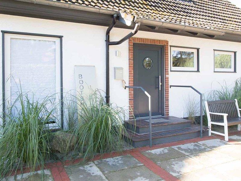 Bootshaus mit Terrasse&Garten, 8 Personen, strandnah, Strandkorb inklusive, holiday rental in Bad Schwartau