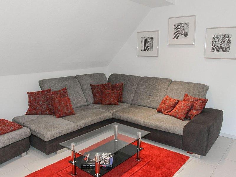 Ferienwohnung, 100qm, Balkon, 2 Schlafzimmer, max. 5 Personen, vacation rental in Stockach