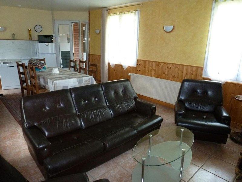 FIEFS : Maison de 5 personnes proche de St Pol Sur Ternoise., casa vacanza a Saint-Pol-sur-Ternoise