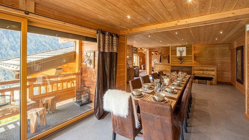 Chalet de luxe avec spa pour 12 personnes, proche des pistes et du centre de Châ, vacation rental in Chatel
