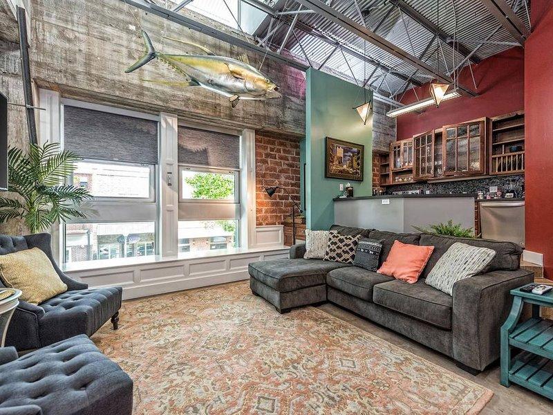 Green Door Lofts-Tuna Loft, Silos/Downtown, holiday rental in Waco