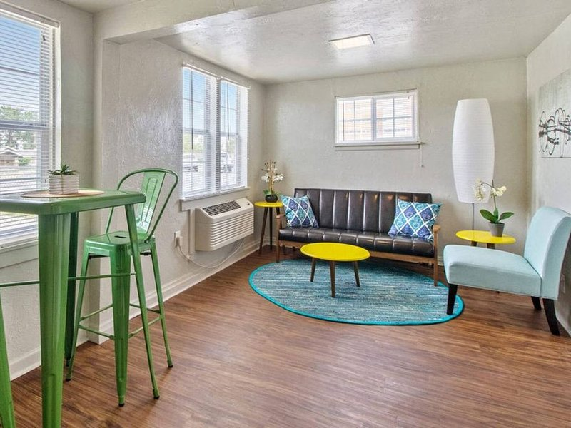 Affordable for long stay, great for travel workers, holiday rental in Spencer