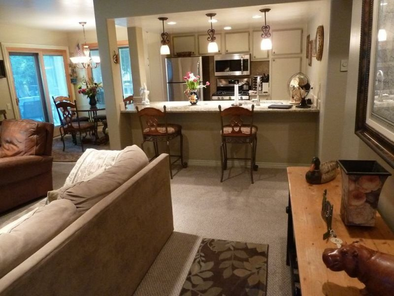 #155-Hot Tub, Pool, Spa, Common Game Room, 10 minute Walk to Town & Lifts  #155, Ferienwohnung in Ketchum