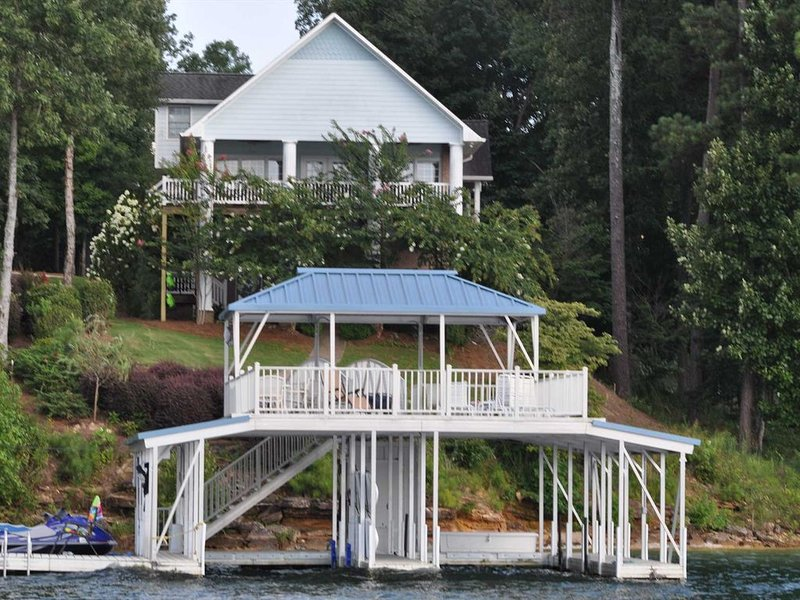 Smith Lake Rentals & Sales - EAGLE'S LANDING - Double decker dock, location de vacances à Arley