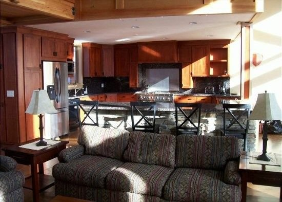 4 bedroom accommodation in June Lake, vacation rental in June Lake