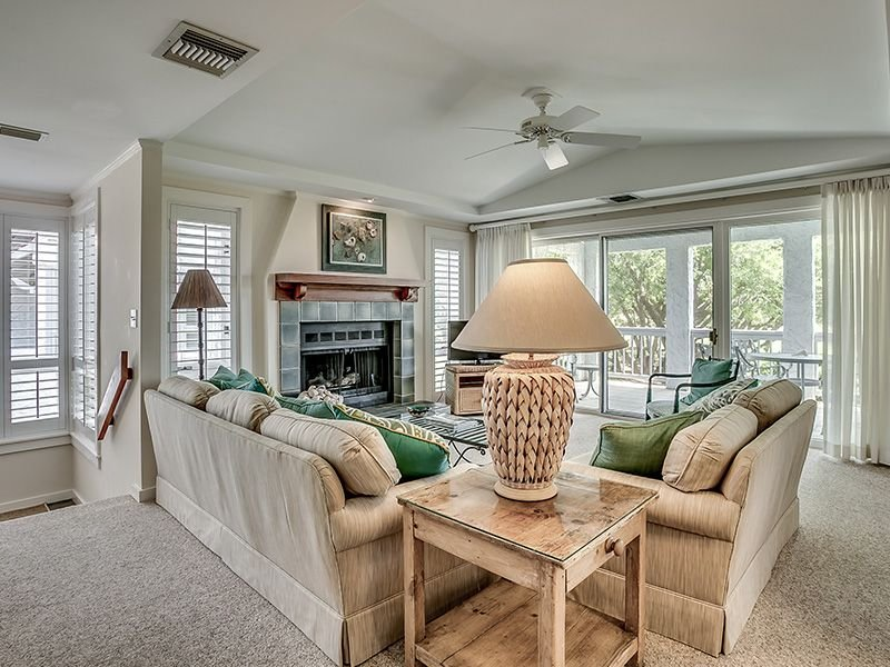 Fantastic, spacious villa close to the ocean and the Beach Club!, vacation rental in Georgetown