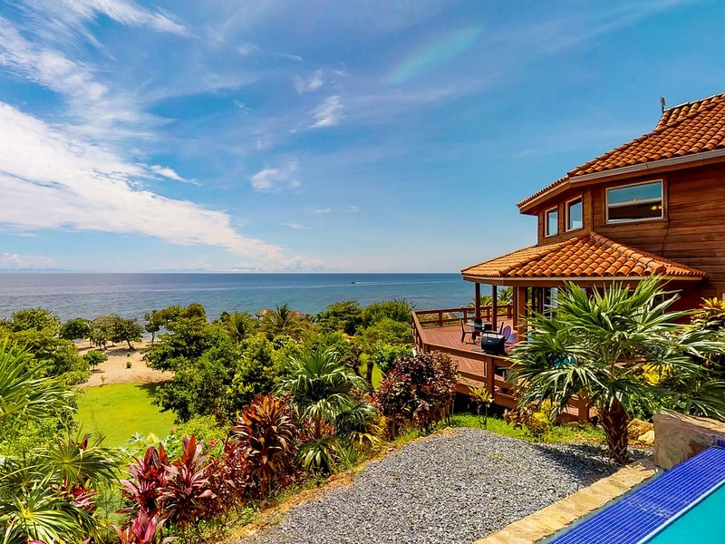 Stunning home w/ infinity pool, private beach & overwater palapa - dogs welcome!, vacation rental in Jonesville