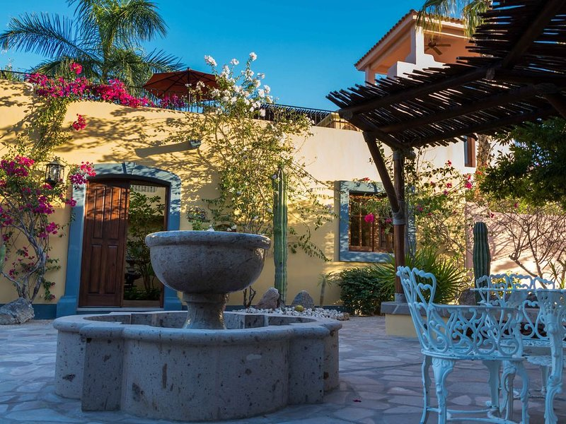 Beautiful and Cozy  Home in Loreto Bay, close from pool and wine bar, vacation rental in Loreto