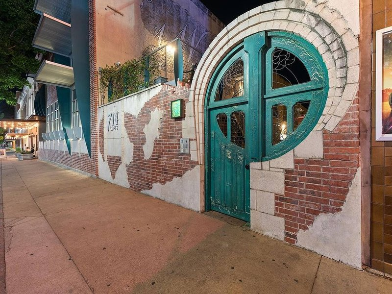Green Door Lofts-Stained Glass Loft, holiday rental in Waco