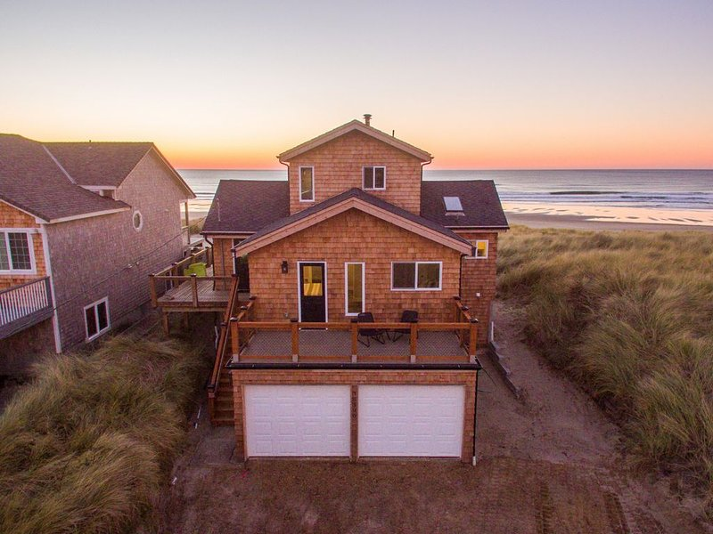 Drift Inn - #156 Amazing oceanfront views, beautifully remodeled, gorgeous finis, vacation rental in Pacific City