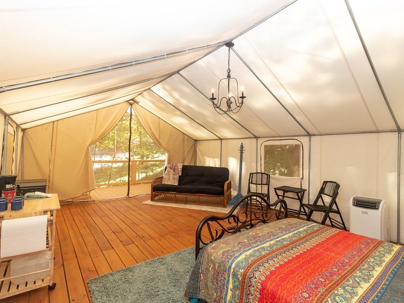 Glamping at Copperhill - Miner, vacation rental in Ducktown
