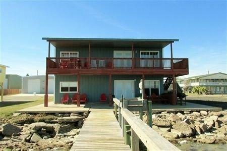 The Miller Home. Four Bedroom, Four Bath. Private Fishing Pier., location de vacances à Port Mansfield