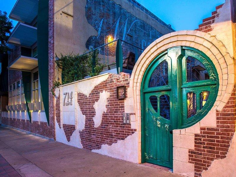 Green Door Lofts -Magnolia Loft, Silos/Downtown, holiday rental in Waco